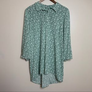 3/$20 Destination Maternity Green Floral Tunic Top